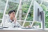 스타트업, 사무실, 벤처사업가 (역할), 비즈니스맨 (사업가), 분석, 생각 (컨셉)