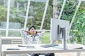 스타트업, 사무실, 벤처사업가 (역할), 비즈니스맨 (사업가), 휴식, 균형 (컨셉), 미소, 상상력 (컨셉)