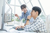 스타트업, 사무실, 벤처사업가 (역할), 비즈니스맨 (사업가), 서류, 분석 (응시), 컴퓨터, 분석, 미소