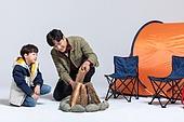아빠, 아들, 캠핑, 함께함 (컨셉), 장작 (목재), 미소
