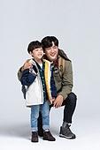아빠, 아들, 캠핑, 함께함 (컨셉), 포인팅 (손짓), 미소