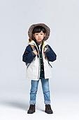 어린이 (인간의나이), 캠핑, 하이킹 (아웃도어), 등산복 (옷), 무표정