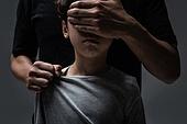 폭력, 가정폭력 (폭력), 아동학대, 손으로눈가리기 (가리기)