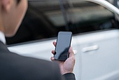 차량호출서비스 (컨셉), 카셰어링 (공유경제), 도시생활, 라이프스타일, 교통수단, 공유경제 (경제), 스마트폰, 휴대폰, 스마트폰 (휴대폰), 모바일결제 (금융아이템)