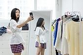 여성, 싱글라이프 (주제), 라이프스타일 (주제), 방, 스마트폰