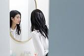 여성, 싱글라이프 (주제), 라이프스타일 (주제), 출퇴근 (여행하기), 거울