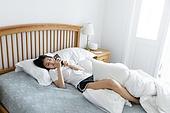 여성, 싱글라이프 (주제), 라이프스타일 (주제), 침실, 침대