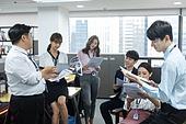 한국인, 비즈니스, 비즈니스미팅 (미팅), 토론, 토론 (커뮤니케이션), 대화 (말하기), 팀워크, 협력, 팀워크 (협력), 아이디어