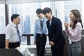 사무실, 한국인, 미소, CEO, 대화 (말하기)