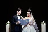결혼식 (결혼), 신랑, 신부 (결혼식역할), 부부, 미소
