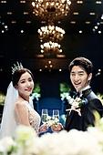 결혼식 (결혼), 신랑, 신부 (결혼식역할), 부부, 미소, 여성