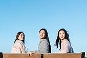 한국인, 한강 (강), 한강공원 (서울), 휴식 (정지활동), 친구, 친구 (컨셉), 함께함 (컨셉), 행복, 행복 (컨셉)