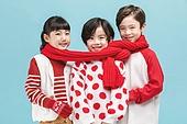어린이 (나이), 겨울, 소년, 소녀, 미소, 목도리, 연결 (컨셉)
