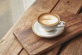 실내, 창문, 카페, 계절, 겨울, 뜨거움, 테이블, 커피 (뜨거운음료), 커피잔, 라떼, 거품아트 (카푸치노), 가을
