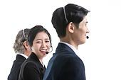 한국인, 비즈니스, 영업사원 (판매업), 서비스 (컨셉), 고객서비스상담원 (전화업무), 고객서비스상담원, 통화중 (움직이는활동), 전화업무, 콜센터 (사무실), 전화기 (원거리통신장비), 커뮤니케이션, 헤드셋 (전화기), 통신업무 (직업), 미소 (얼굴표정), 청년 (성인)