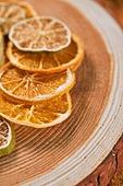 오브젝트 (묘사), 스튜디오촬영, 계절, 가을, 겨울, 말린과일, 레몬, 라임 (감귤류), 오렌지, 감귤류 (과일)