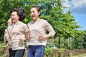중년여자 (성인여자), 조깅 (운동), 운동, 건강한생활, 미소, 밝은표정