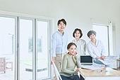 남성, 사무실 (업무현장), 설계도 (플랜), 건축가 (창조적직업), 미소, 밝은표정