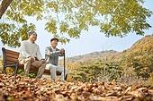 노인 (성인), 가을, 휴식, 공원벤치, 친구 (컨셉), 미소