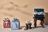 실내, 스튜디오촬영, 명절 (한국문화), 설 (명절), 추석 (명절), 선물 (인조물건), 선물상자, 선물세트, 기념일, 기대, 행복, 풍부, 포장, 한국전통, 전통문화, 한국문화, 한국 (동아시아), 천, 백그라운드, 보자기 (한국문화), 그림자, 밥상 (한국전통), 차 (뜨거운음료), 다도, 찻잔, 티포트