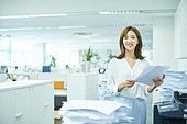 한국인, 비즈니스, 신입사원, 주52시간근무제 (근로시간), 주52시간근무제, 일 (물리적활동), 복사기 (정보장비), 서류, 출력 (움직이는활동)