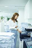 한국인, 사무실, 비즈니스, 화이트칼라 (전문직), 서류, 출력 (움직이는활동), 인쇄기, 복사기 (정보장비), 스트레스, 고역 (컨셉), 번아웃증후군 (격언)