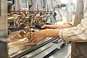 시간제근무 (직업), 한국인, 카페 (공공건물), 카페문화 (라이프스타일), 카페테리아직원 (음식서비스직), 커피숍 (카페), 근로기준법 (법), 커피 (뜨거운음료), 커피메이커 (주방가전제품), 로스터 (산업장비), 원두 (커피), 바리스타
