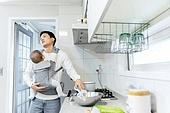 아빠, 아기 (나이), 아기띠, 소독 (움직이는활동), 아기우유병 (유아용품), 스트레스
