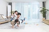 아빠, 자식 (가족), 플레이 (움직이는활동), 피로 (물체묘사), 아들, 딸, 가족