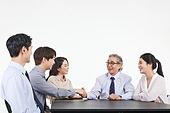 한국인, 비즈니스, 비즈니스 (주제), 비즈니스맨 (사업가), 미팅, 토론, 팀워크, 비즈니스미팅, 합의 (컨셉), 함께함 (컨셉), 협력 (컨셉), 팀워크 (협력), 대화, 합의, 악수
