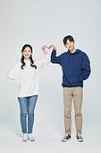 한국인, 대학생, 청년 (성인), 데이트, 커플, 커플 (인간관계), 로맨스 (컨셉), 데이트 (로맨틱), 로맨틱, 사랑 (컨셉), 행복, 하트 (컨셉심볼)
