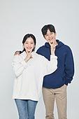 한국인, 대학생, 청년 (성인), 데이트, 커플, 커플 (인간관계), 로맨스 (컨셉), 데이트 (로맨틱), 로맨틱, 후드티셔츠 (운동복)
