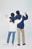 한국인, 대학생, 청년 (성인), 데이트, 커플, 커플 (인간관계), 로맨스 (컨셉), 데이트 (로맨틱), 로맨틱, 후드티셔츠 (운동복), 어깨동무