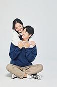 한국인, 대학생, 청년 (성인), 데이트, 커플, 커플 (인간관계), 로맨스 (컨셉), 데이트 (로맨틱), 로맨틱, 포옹 (홀딩), 백허그
