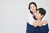 한국인, 대학생, 청년 (성인), 데이트, 커플, 커플 (인간관계), 로맨스 (컨셉), 데이트 (로맨틱), 로맨틱, 사랑 (컨셉), 행복, 포옹 (홀딩), 백허그