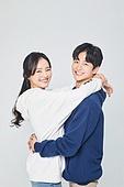 한국인, 대학생, 청년 (성인), 데이트, 커플, 커플 (인간관계), 로맨스 (컨셉), 데이트 (로맨틱), 로맨틱, 사랑 (컨셉), 행복, 즐거움 (컨셉), 포옹 (홀딩)