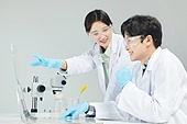 대학생, 연구 (주제), 연구소, 과학, 실험실 (연구소), 과학실험 (사건), 과학자, 생명공학