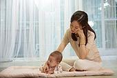 아기 (나이), 엄마, 돌보기 (컨셉), 육아맘, 신생아 (0-1개월), 스트레스, 후회