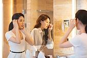 여성, 호텔, 호캉스, 미소, 거울, 파우더룸 (욕실)