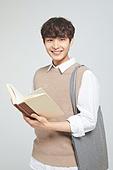 한국인, 대학생, 청년 (성인), 신입생, 취업준비생 (역할), 취업준비생, 청년남자 (성인남자)
