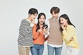 한국인, 성인 (나이), 대학생, 청년 (성인), 스마트폰, 놀람 (컨셉), 기쁨 (컨셉)