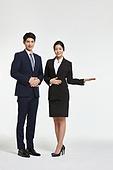 한국인, 비즈니스, 비즈니스 (주제), 금융, 보험 (주제), 호텔프런트 (호텔), 안내원 (역할), 호텔, 호텔업무 (서비스업)