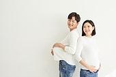 아내 (가족구성원), 커플 (인간관계), 임신 (물체묘사), 미소, 쿠바드증후군