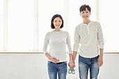 아내 (가족구성원), 커플 (인간관계), 임신 (물체묘사), 손잡기