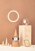 백그라운드, 사람없음, 오브젝트 (묘사), 컬러, 도형, 기하학모양, 장난감블록, 블록모양, 실내, 스튜디오촬영, 금속, 육면체 (Three-dimensional Shape), 원뿔, 원형 (이차원모양), 시계, 손목시계