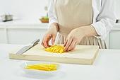 가정주방 (주방), 음식재료 (음식), 요리하기 (음식준비), 레시피, 달걀지단 (고명), 썰기