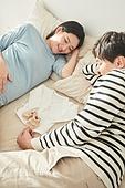 커플, 임신, 미소, 행복, 배냇저고리 (유아용품)