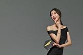 미녀 (아름다운사람), 검정색 (색상), 드레스, 초대장, 미소, 밝은표정