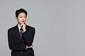 한국인, 투표 (선거), 취업준비생 (역할), 고용문제 (주제), 걱정 (어두운표정), 생각 (컨셉), 아이디어 (컨셉), 집중 (컨셉), 심각 (감정)