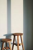 실내, 백그라운드, 햇빛 (빛효과), 뜨거움 (컨셉), 인테리어, 의자 (좌석), 그림자, 벽 (건물특징)